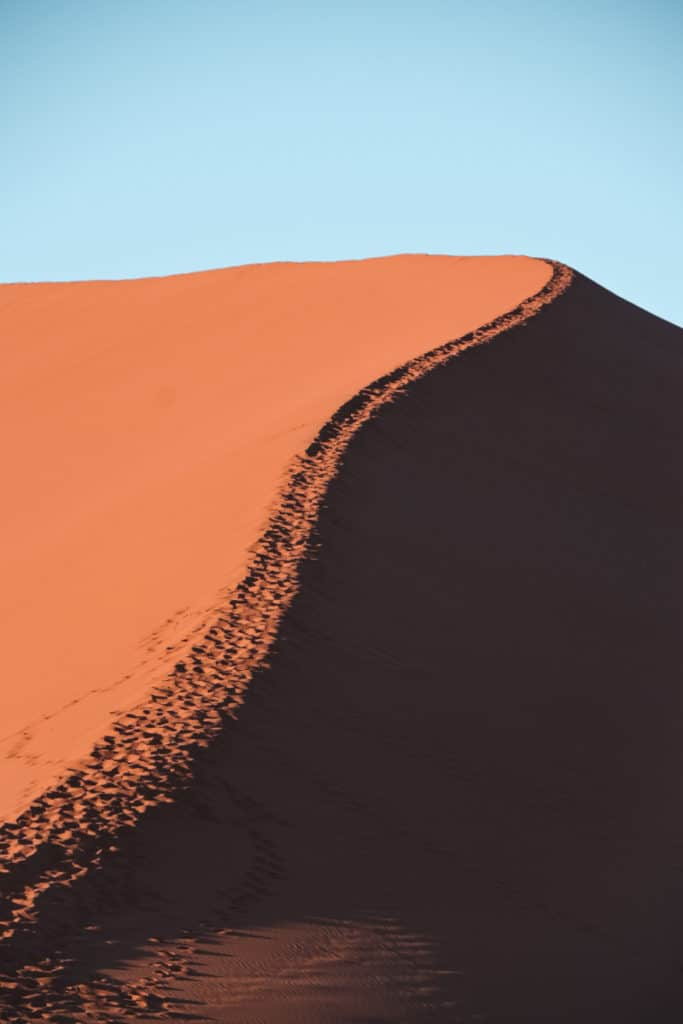 Sossusvlei-and-Deadvlei-in-Namibia-beautiful-sunrises-collab-by-Sandra-of-The-Puzzle-of-Sandras-Life-683x1024