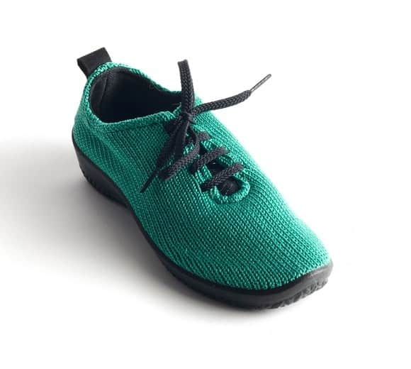 ls-arcopedico-womens-vegan-shoes-for-travel-website-photo