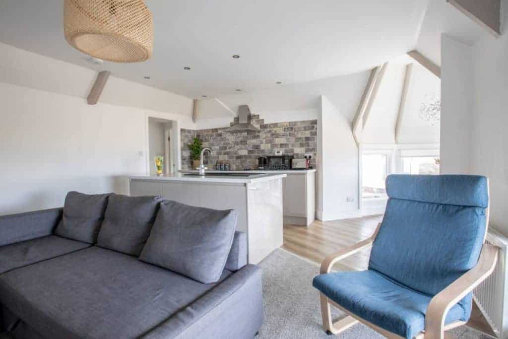 airbnb-accomodation-in-saltburn-by-the-sea-beach-view-apartment-1024x683