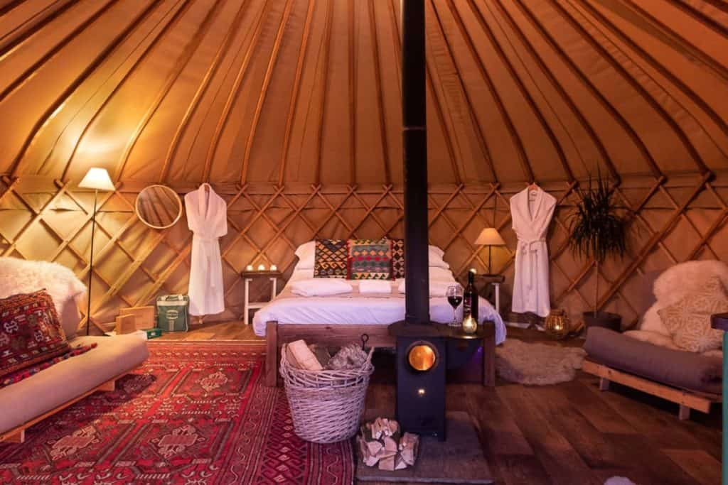 yurtshire-yurt-internal-night-1-1024x683