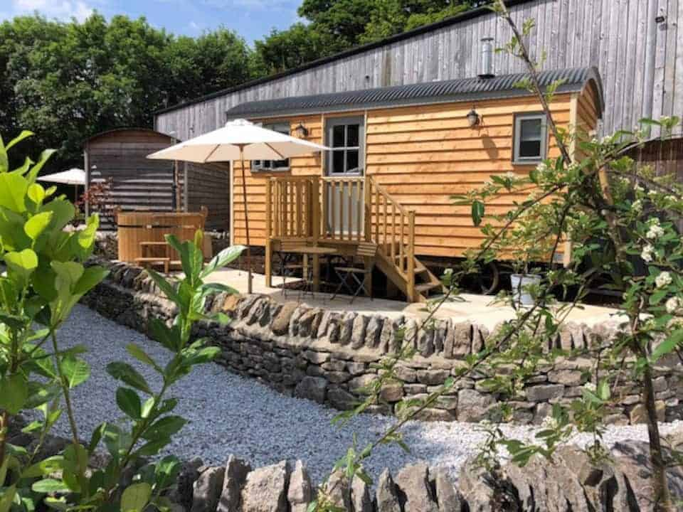 airbnb-glamping-yorkshire
